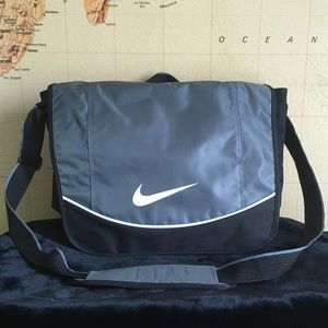 Nike Messanger/laptop bag men's or women's